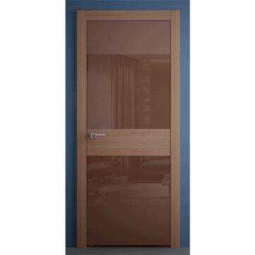 Межкомнатная дверь Crescendo Walnut со стеклянными панелями и вставкой из древесного шпона.