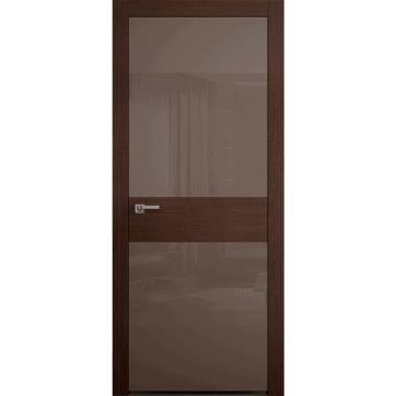 Интерьерная дверь Crescendo Wenge со стеклом и центральной вставкой из древесного шпона.