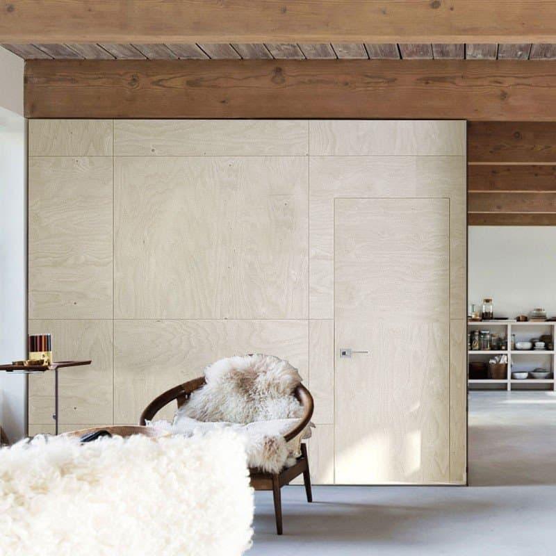 Межкомнатная дверь Colorize Fanera с панелями из натуральной фанеры.