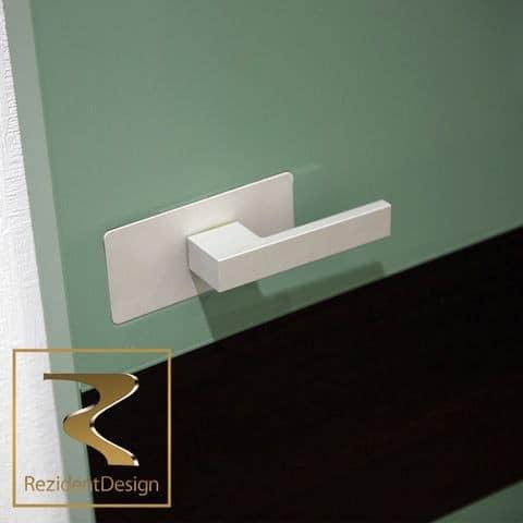 Дверная ручка-скоба Vitrum-Essence со сканером отпечатка пальца для стеклянных дверей